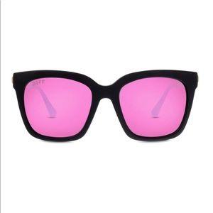 DIFF Bella Matte Black / Pink polarized sunglasses